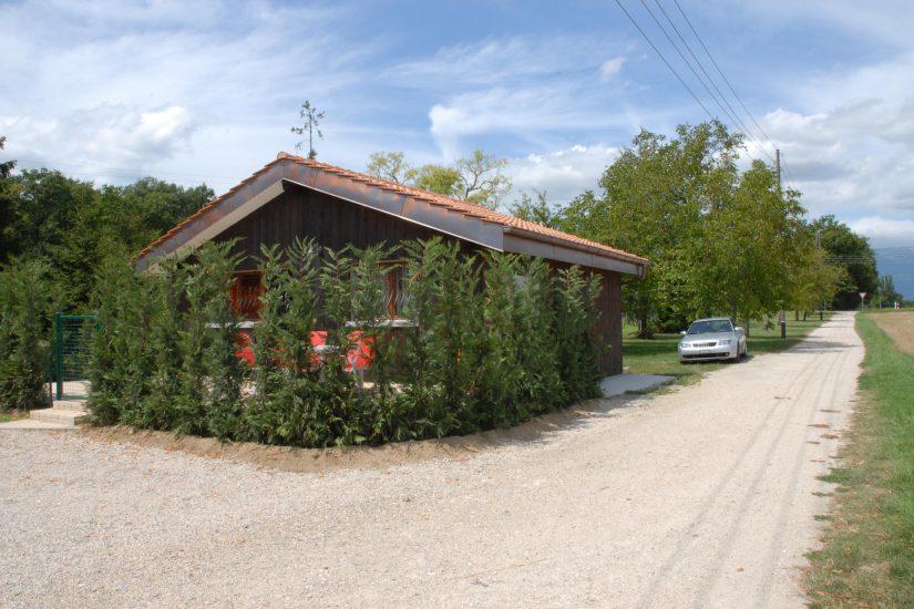 Très jolie petite maison meublée en parfait état d'entretien à Bernex