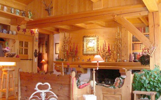 TOP FLOOR 4 BEDROOMS / 3 BATHS APARTMENT IN MEGEVE