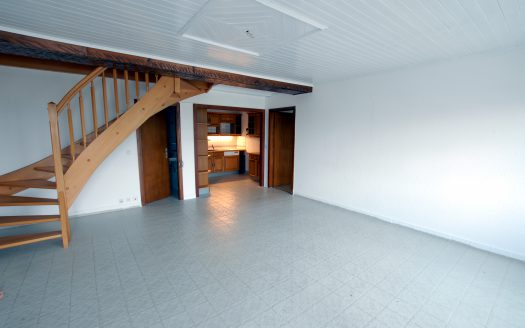 Appartement en duplex de 4 pièces + cuisine à La Rippe