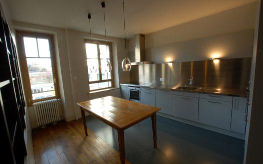 Bel appartement de 3.5 pièces rénové dans immeuble ancien de caractère