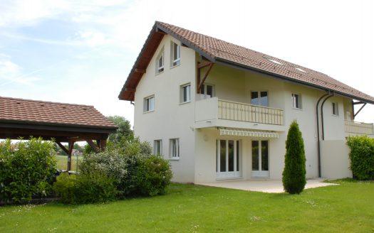Lumineuse villa jumelle à Collex-Bossy