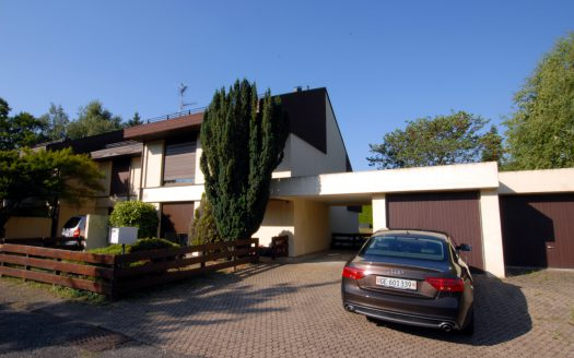 Villa jumelle de 6.5 pièces à Chambésy