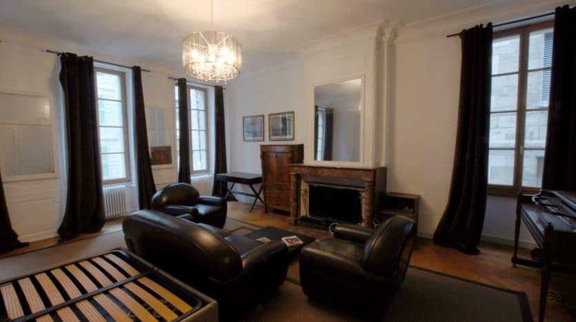Superbe 2.5 pièces meublé en Vieille-Ville de Genève