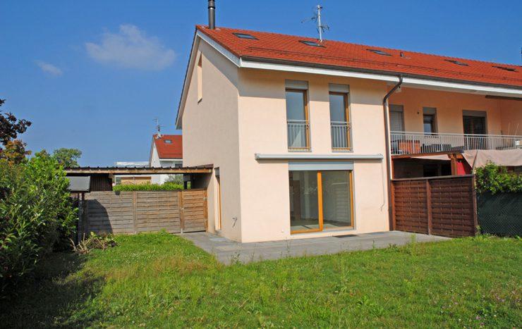 Villa jumelle de 5 pièces + cuisine de 160m2 à Aire-la-Ville