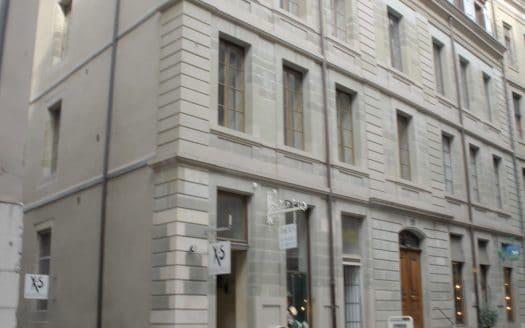 Beau studio d'env. 35m2 au coeur de la Vieille-Ville de Genève