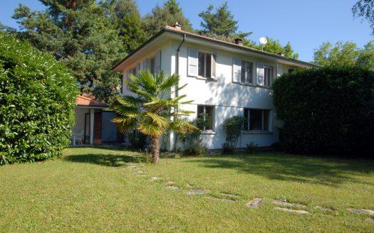 Villa jumelle de 6 pièces avec grand jardin au Petit-Saconnex