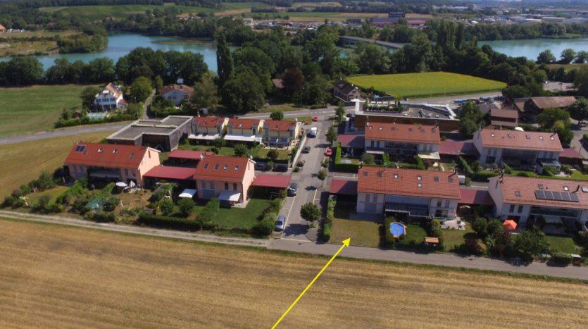 Villa jumelle de 5 pièces + cuisine à Aire-la-Ville