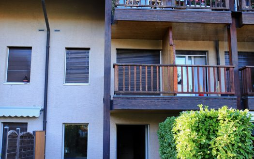 Cosy 2-floor 4.5 rooms ground-floor apartment in Aire-la-Ville