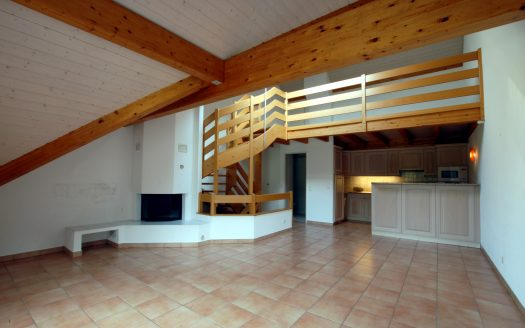 4 three-floor rooms + mezzanine in Crans-Près-Céligny