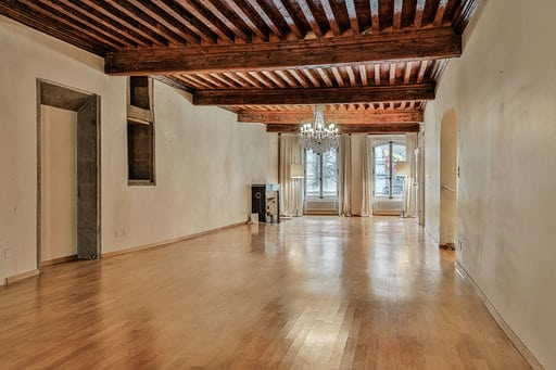 Superb 4 rooms apartment of 167sqm In Geneva Old-Town