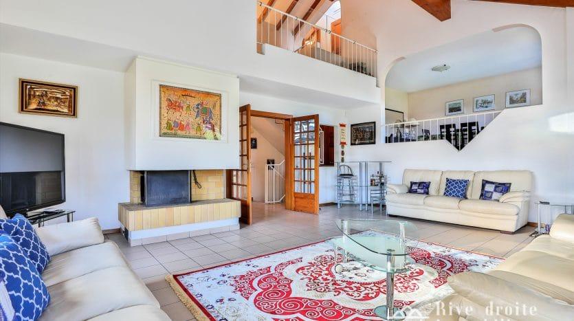 Villa semi-individuelle de 220m2 avec piscine à Genthod