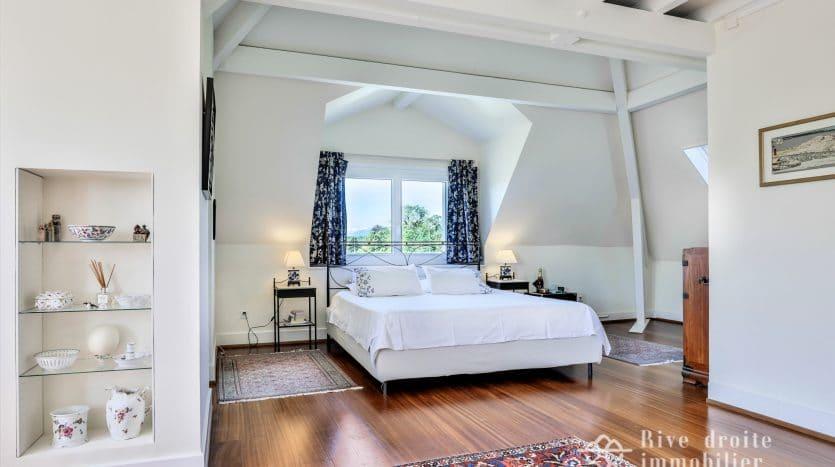 Superbe maison de maître d'env. 380m2 à Nyon