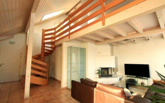 Appartement de 4.5pièces + cuisine d'env. 120m2 à Crans-Près-Céligny