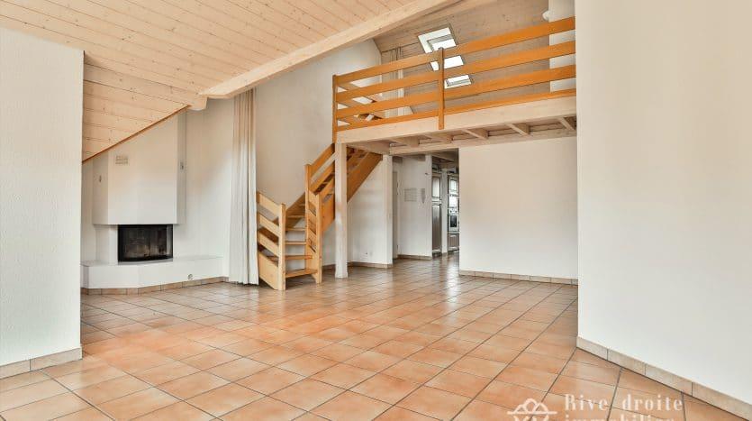 Immeuble locatif à Crans-Près-Céligny composé de 3 arcades et 9 appartements