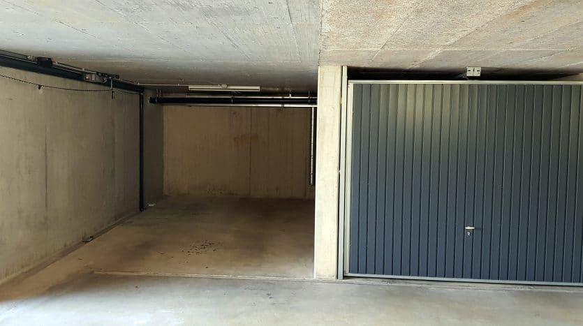Place de parc intérieure dans parking souterrain fermé au Grand-Saconnex