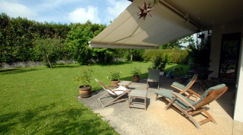 Villa individuelle de 7.5 pièces à Chambésy