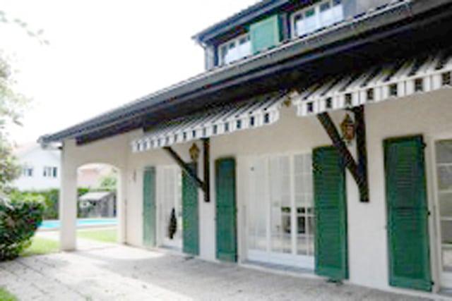 Belle villa individuelle avec piscine de 180m2 à Chavannes-des-Bois