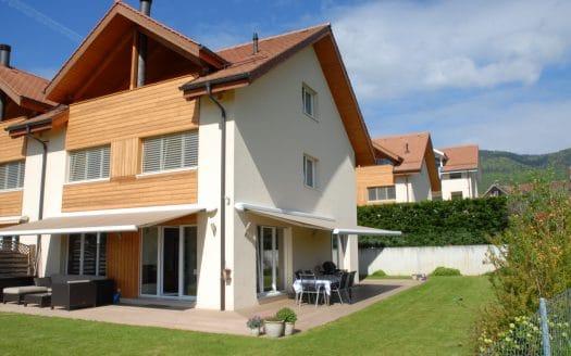 Grande et belle villa contigüe de 225m2 à la Rippe!