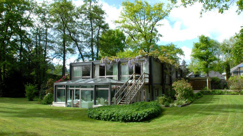 Grande villa moderne de 350m2 avec piscine