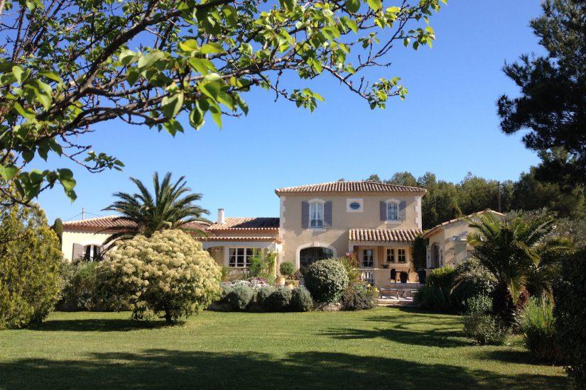 Superbe propriété provençale à Mouries (France)