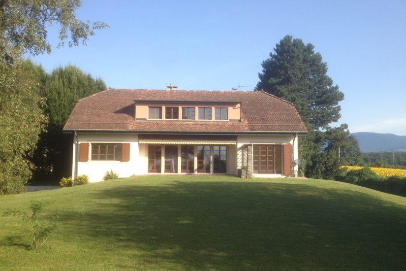 Grande villa traditionnelle de 270m2 à Collex-Bossy