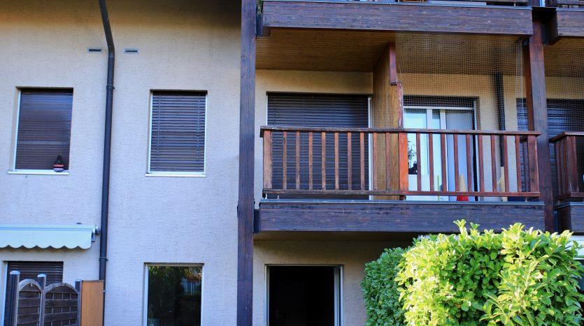 Cosy  2-floor 4.5 rooms ground-floor apartment in Aire-la-Ville