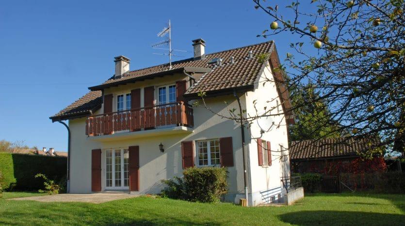 Villa individuelle rénovée de 5 pièces de 150m2 à Collex-Bossy