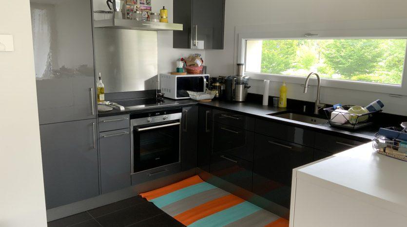 Bel appartement de 3.5 pièces + cuisine d'env. 105m2 à Chavannes-de-Bogis