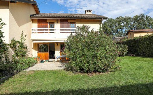 Belle villa jumelle de 7 pièces d'env. 140m2 +sous-sol à Genthod
