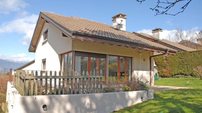 Belle villa jumelle de 7.5 pièces d'env. 170m2 + sous-sol au Grand-Saconnex
