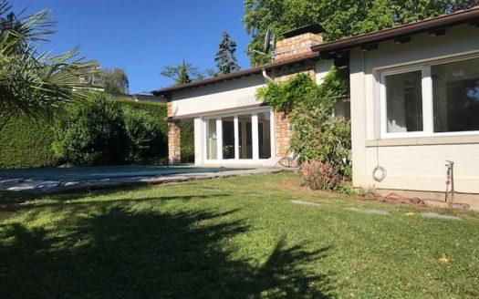 Superbe villa de plain-pied avec piscine à Versoix
