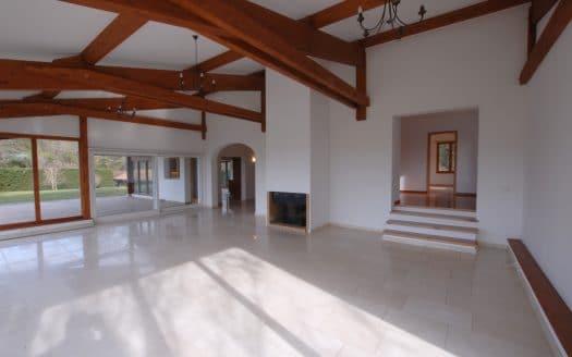 Belle et grande villa lumineuse d'env. 300m2 à Genthod