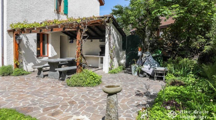 Unique! Superbe maison de village rénovée d'env. 340m2 à Bogis-Bossey