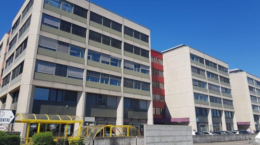 Bureau open space de 60m2 aux Acacias