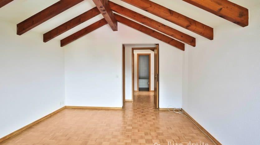 Grande et belle villa jumelle de 7 pièces d'env. 150m2 + sous-sol à Genthod