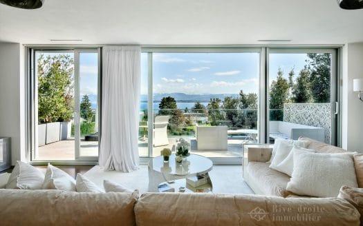 Grande villa contemporaine de 6.5 pièces face au lac à Nyon!